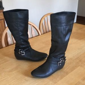 Perfect black boots!